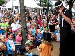 Zaubershow beim Strassenfest